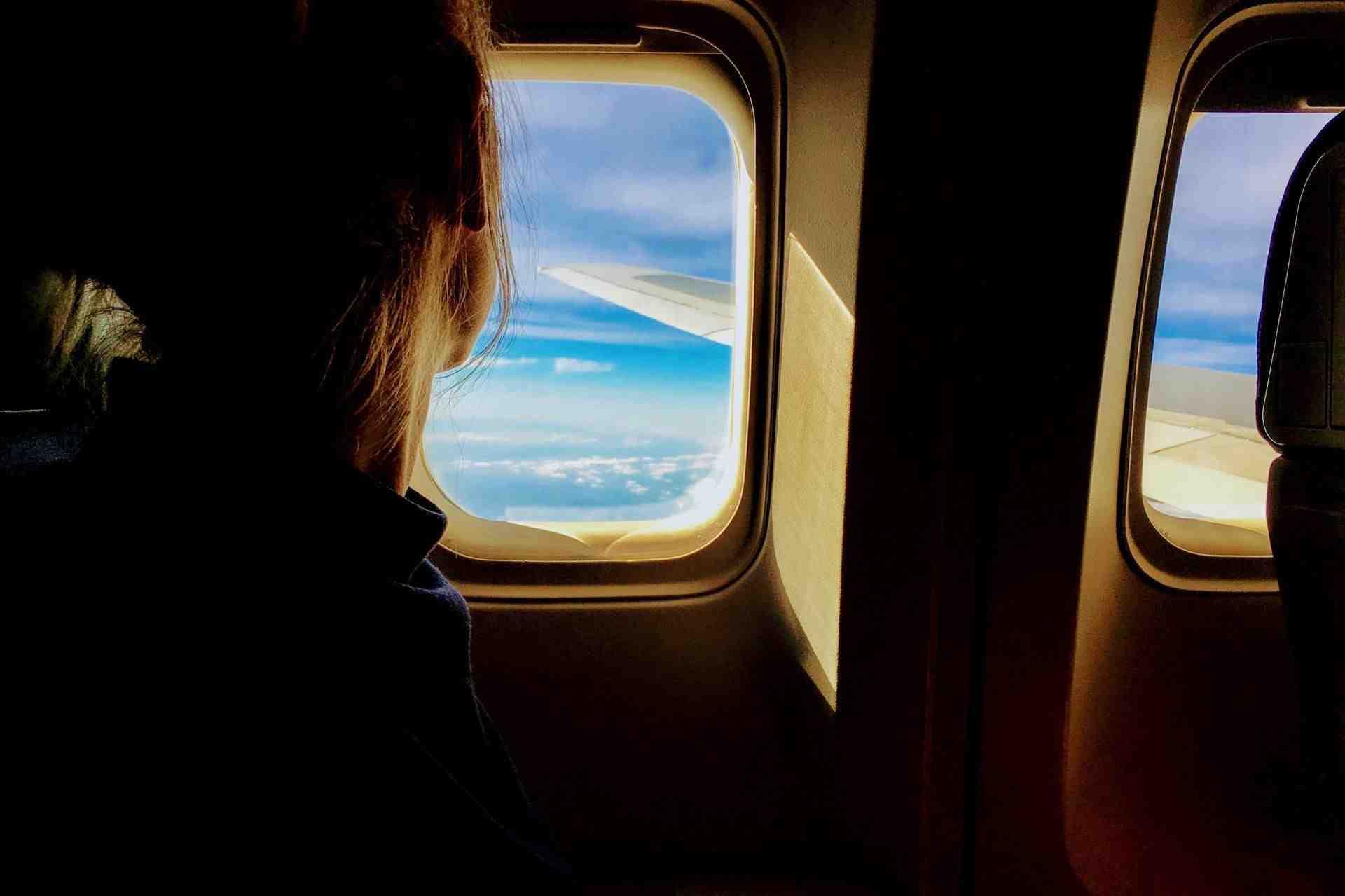 Comment acheter un billet d'avion le moins cher possible ?