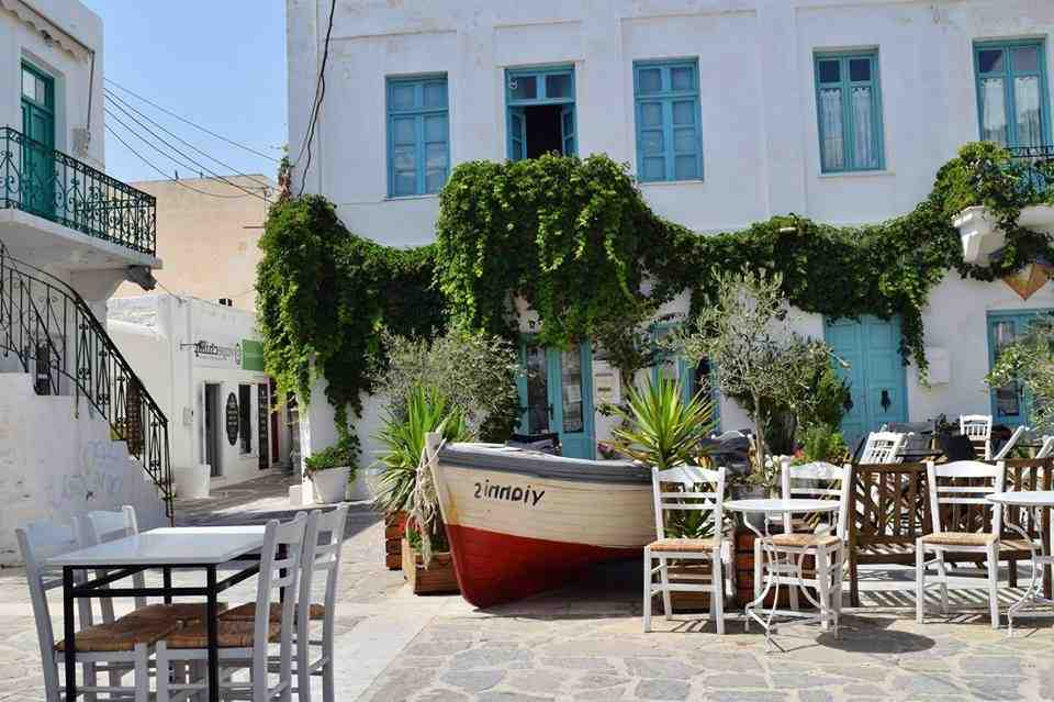 Où aller en Grèce en août entre amis ?